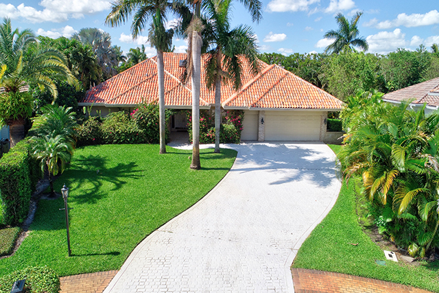 Buckingham Court - St. Andrews Country Club - Boca Raton, Florida - Michael Bloom - Broker Associate - Melanie Bloom - Realtor - real estate - homes for sale