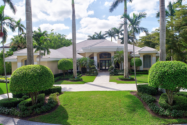 Lake Estates Drive - St. Andrews Country Club - Boca Raton - FL