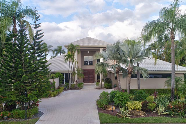 LIons Head Lane - St. Andrews Country Club - Boca Raton, FL  Michael Bloom - Broker Associate